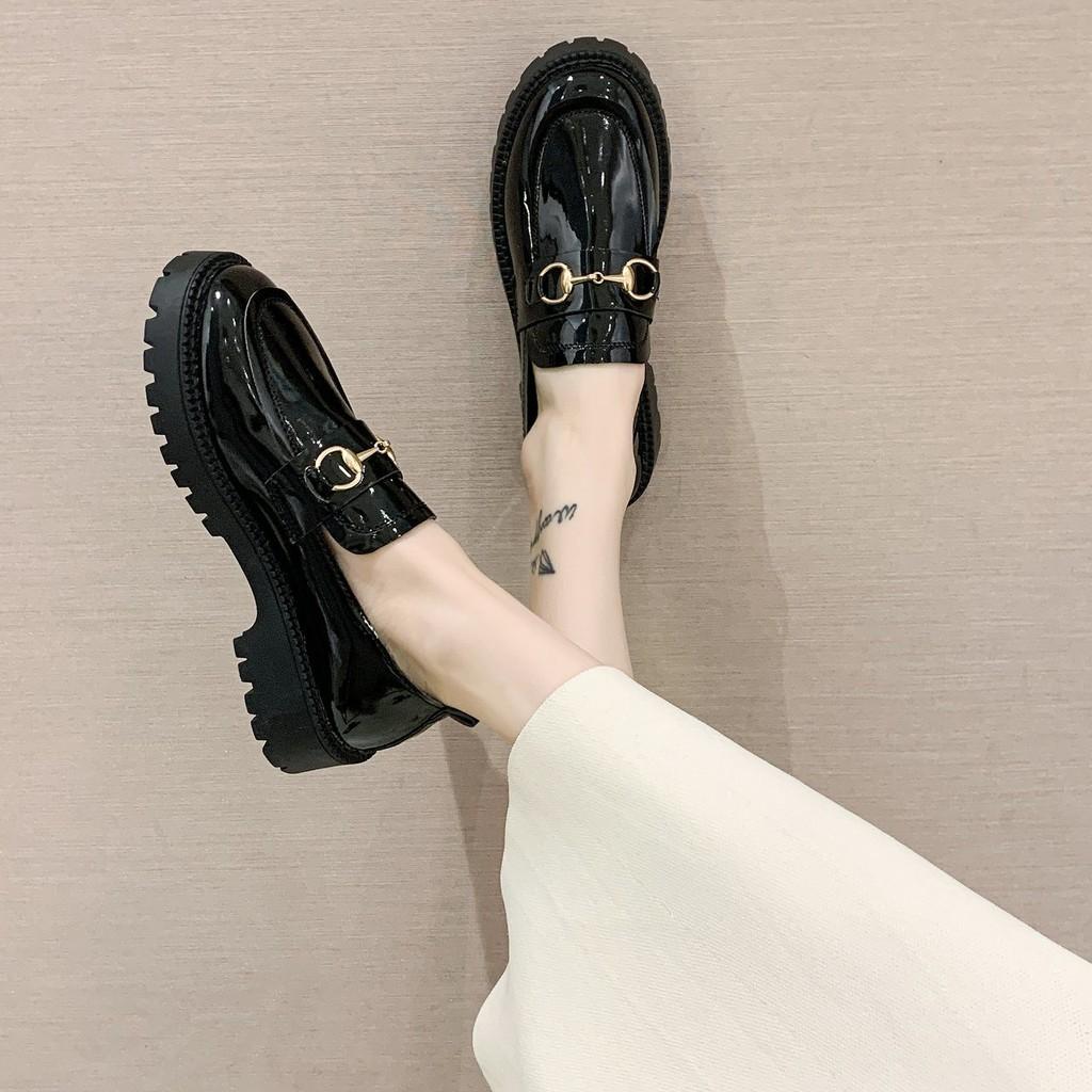 Giày Nữ Đế Bằng Mũi Tròn In Họa Tiết Thời Trang