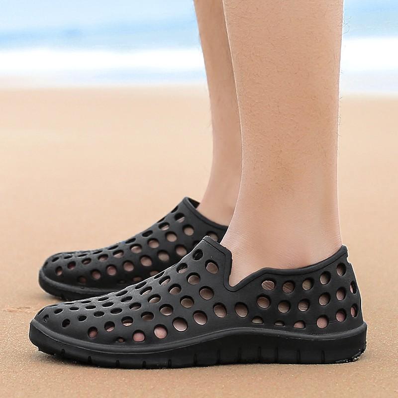 Giày nhựa EVA khắc lỗ đi biển cho nam
