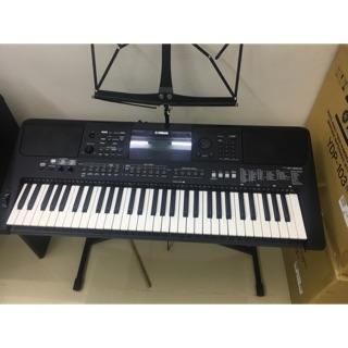 Organ yamaha PSR E463