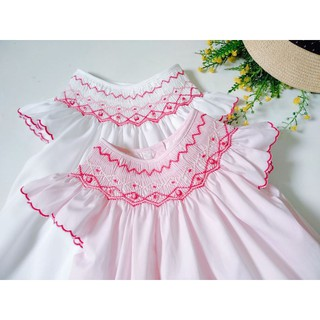 Đầm Smock trắng & hồng tay cánh tiên