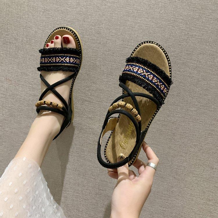 Sandal Nữ Mũi Tròn Phối Tua Rua Xỏ Hạt Thoải Mái Thời Trang