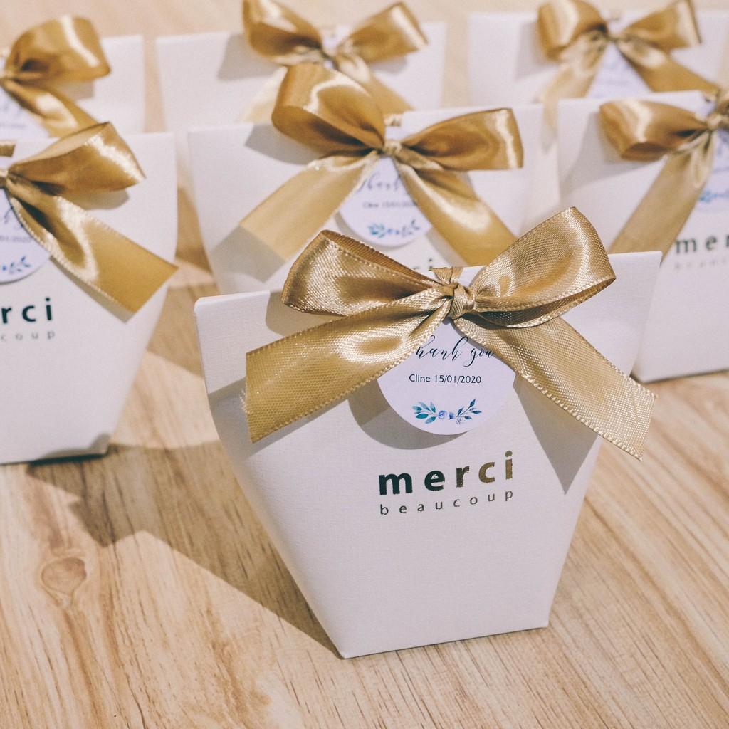 Quà cám ơn tiệc  cưới - Quà tặng sự kiện: Set 50 hộp quà cưới Merci cao cấp
