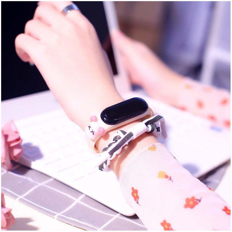 Đồng hồ Led cho trẻ em đính hình thú đáng yêu mẫu mới DH109