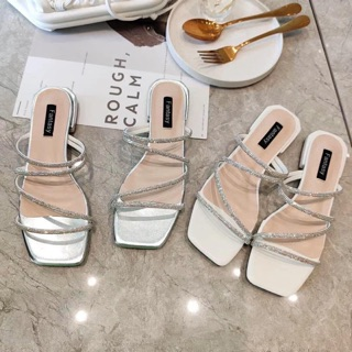 Sandal siêu phẩm mùa hè cho chị em ạ 🌻