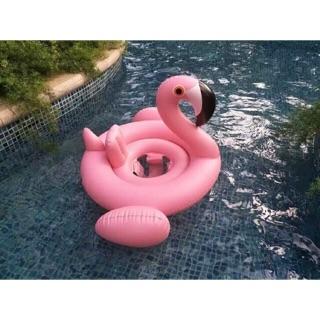 Phao bơi thiên nga màu hồng