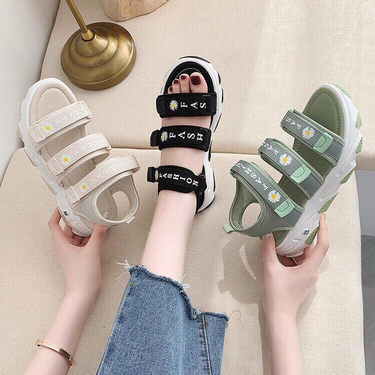 Dép quai hậu, sandal đế cao họa tiết hoa cúc, thiết kế hiện đại, đủ size mã CT148