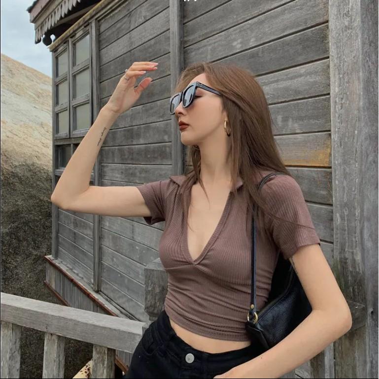 Mặc gì đẹp: Gợi cảm với Áo Croptop Tay Ngắn Cổ Chữ V Thời Trang Mùa Hè Quyến Rũ Cho Nữ