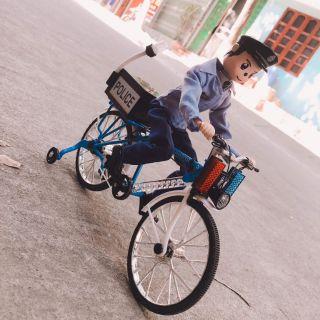 Cảnh sát đi xe đạp