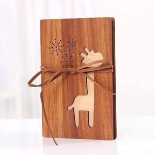 album ảnh bằng gỗ