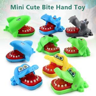4 CÁI / Bộ Đồ chơi cầm tay nhỏ dễ thương cho bé Đồ chơi giáo dục sớm Cá mập Hippo