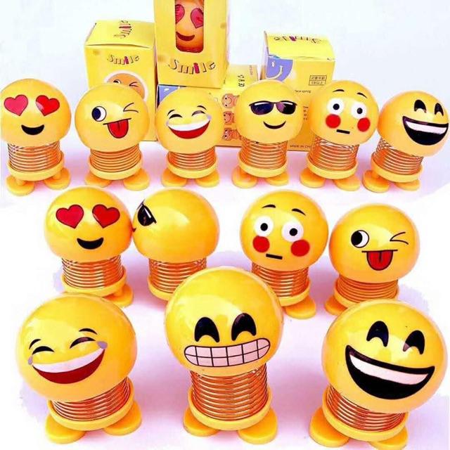 [Combo 2] Set 2 gồm 1 Thú nhún lò xo emoji vàng và 1 emoji biệt đội siêu anh hùng...