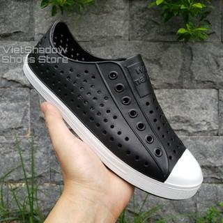 Giày nhựa siêu nhẹ nam nữ - Chất liệu nhựa xốp siêu nhẹ, không thấm nước - Màu đen viền trắng thumbnail
