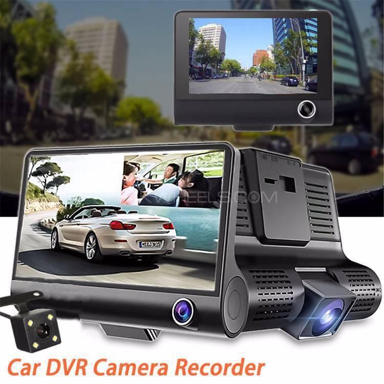 Camera hành trình ô tô 3 mắt camera, màn hình 4 inh full HD, ghi hình đa chiều, có chế độ ghi đè kèm thẻ nhớ 16G