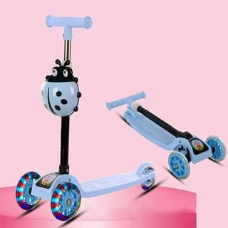 Xe Scooter 3 bánh có đèn phát sáng