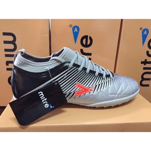 Giày bóng đá chuẩn hãng mitre tặng tất chống trượt loại đẹp