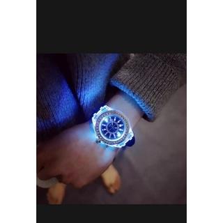 đồng hồ nam nữ đổi đèn led 7 màu. thumbnail
