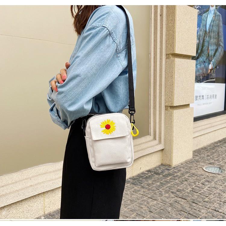 Túi đeo chéo nữ đi chơi mini hoa cúc TX38