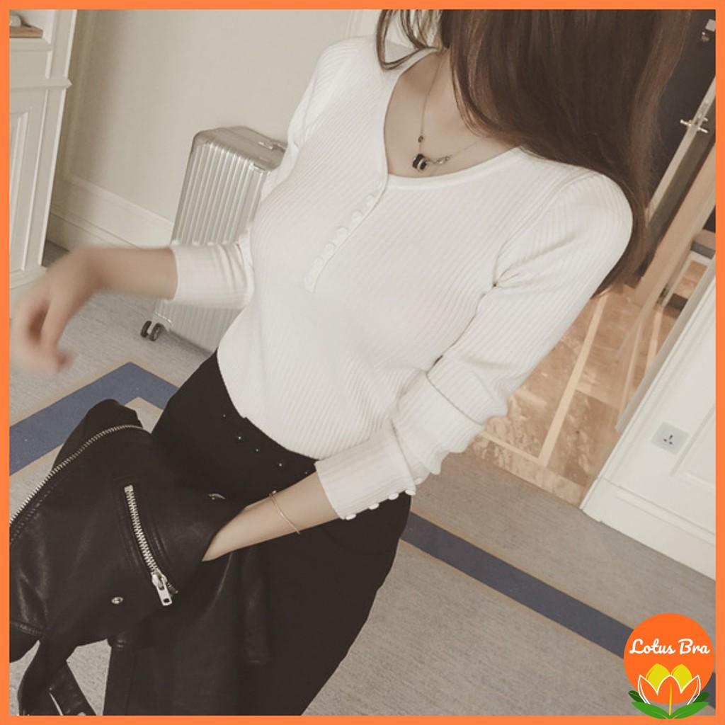 Áo len tăm dài tay cổ tim phối cúc phong cách Hàn Quốc