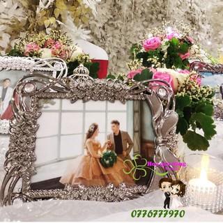 Khung ảnh cưới sang trọng 13cm x 18 inch (mẫu ngẫu nhiên)
