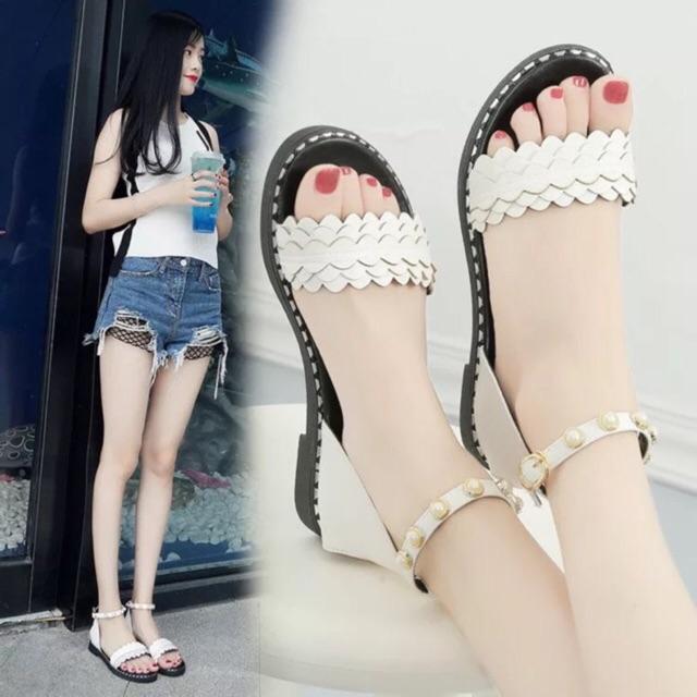 giày sandal quay ngọc cổ chân fom rộng đặt luiz 1 sz