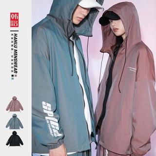 Mùa thu 2020 cặp đôi mới phản xạ gió in chữ áo khoác đầy màu sắc áo khoác có mũ trùm đầu cho nam và nữ Áo khoác thể thao Hàn Quốc Áo khoác chống gió cho bé trai Áo khoác cặp đôi