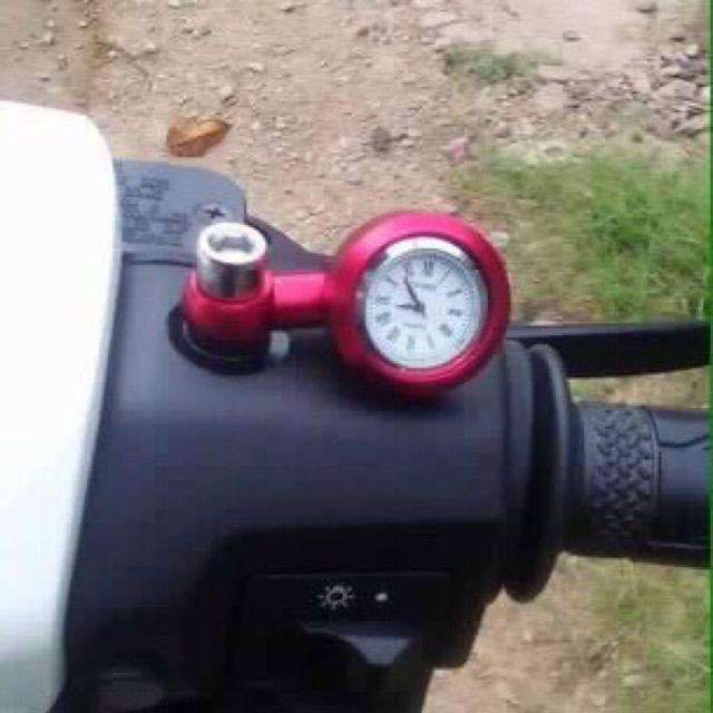 Đồng hồ chân kính xe máy rất đẹp
