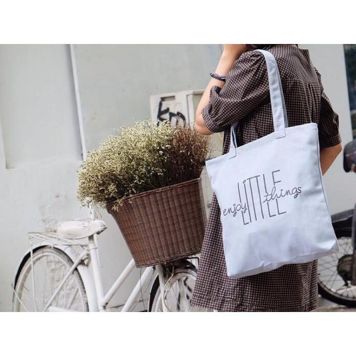 Túi tote in chữ Enjoy Little Thing - Đen/Trắng/Xám - Túi Vải May
