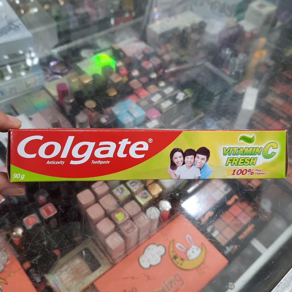 Kem đánh ngừa sâu răng Colgate Vitamin C thơm mát 90g