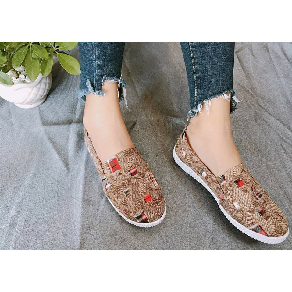 Giày Jean rách