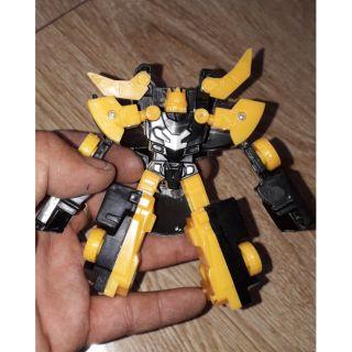 Lắp ráp robot biến thành xe màu vàng đen hoặc đỏ đen rất đẹp