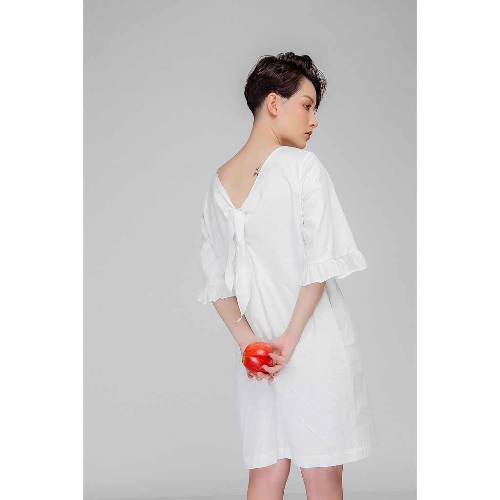 V031805-Beautiful in white dress