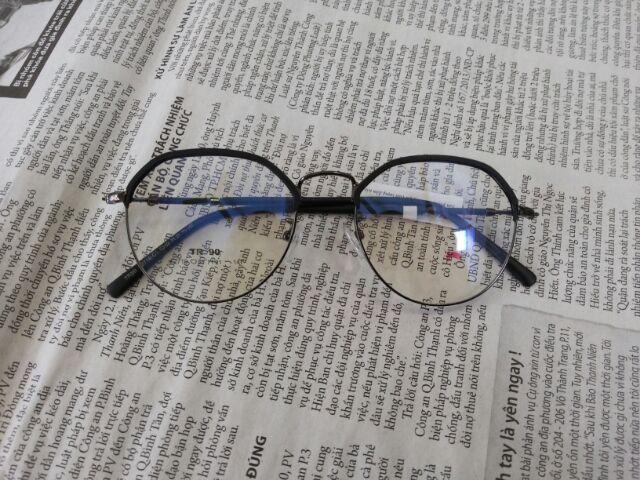 Gọng kính cận kim loại đẹp
