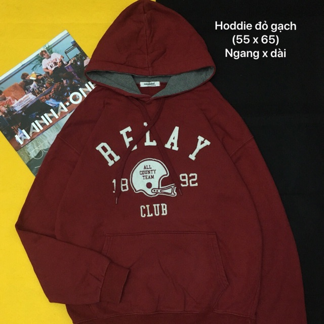 Áo hoodie đỏ gạch