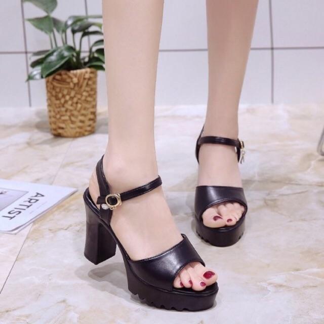 Giày cao gót đế thô
