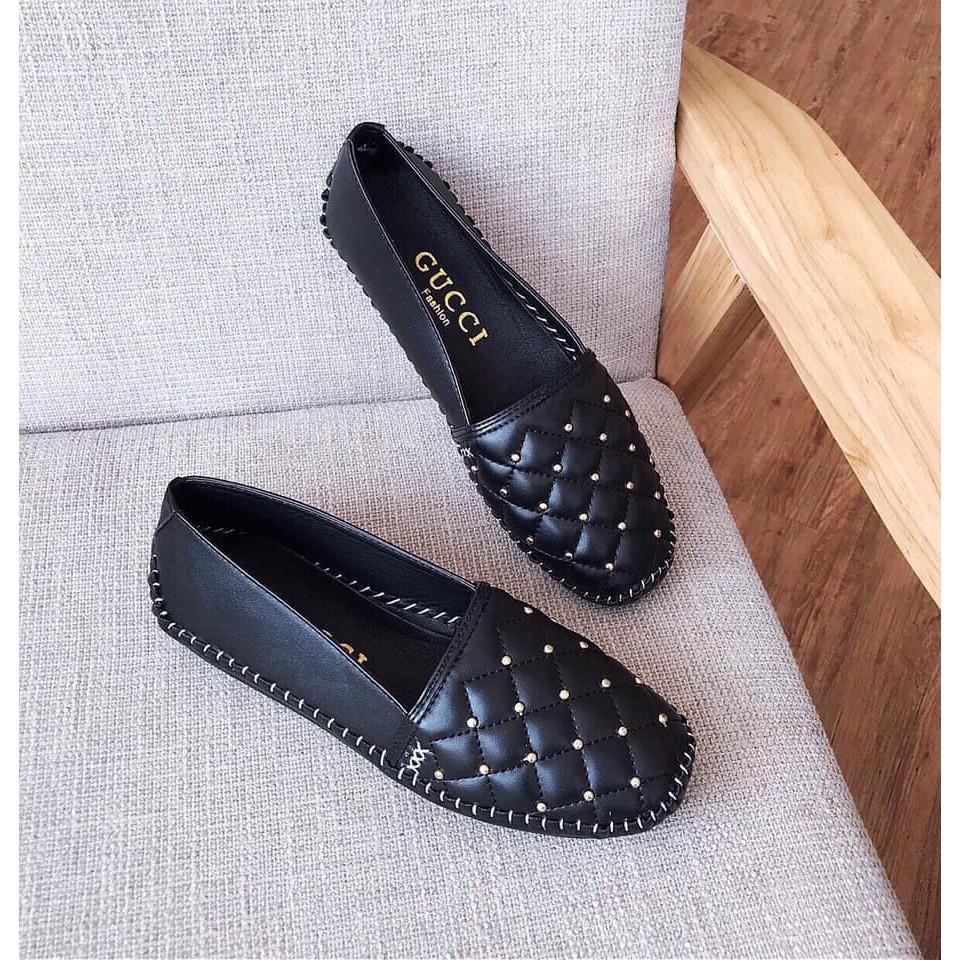Giày moca đế bệt trần chỉ nổi lên chân cực êm