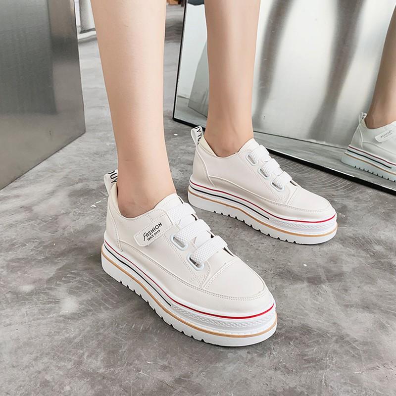 【จัดส่งฟรี】าด้านล่างรองเท้าลำลองมายากลอเนกประสงค์หนังตาข่ายสีแดงกับรองเท้าผู้หญิง