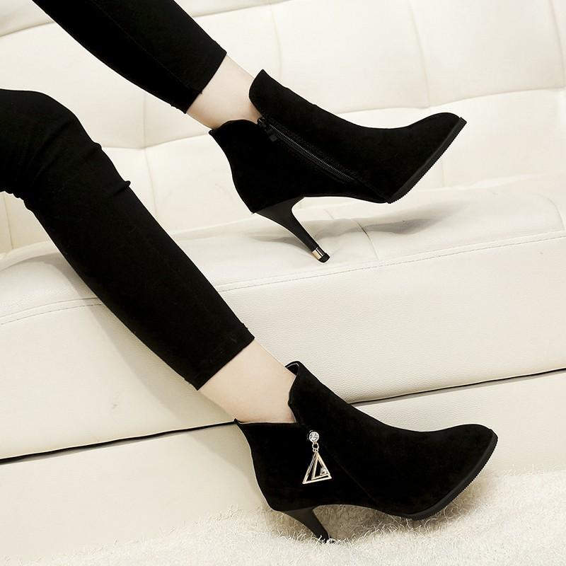 Giày cao gót thời trang - Giày cao gót mũi nhọn - giày da lộn của phụ nữ- boot ngắn cổ- boot thời trang