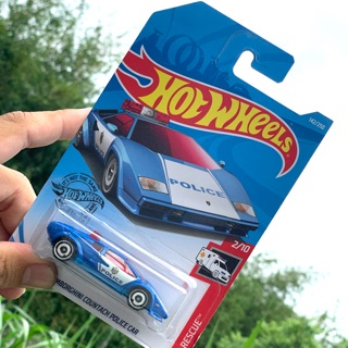 Xe mô hinh Hotwheels LAMBOR COUNTACH POLICE CAR