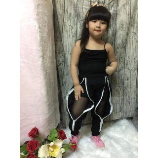 Hàng thời trang thiết kế dành cho bé gái