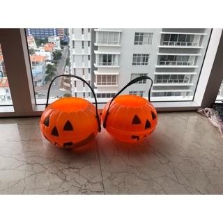 Giỏ nhựa bí ngô Halloween