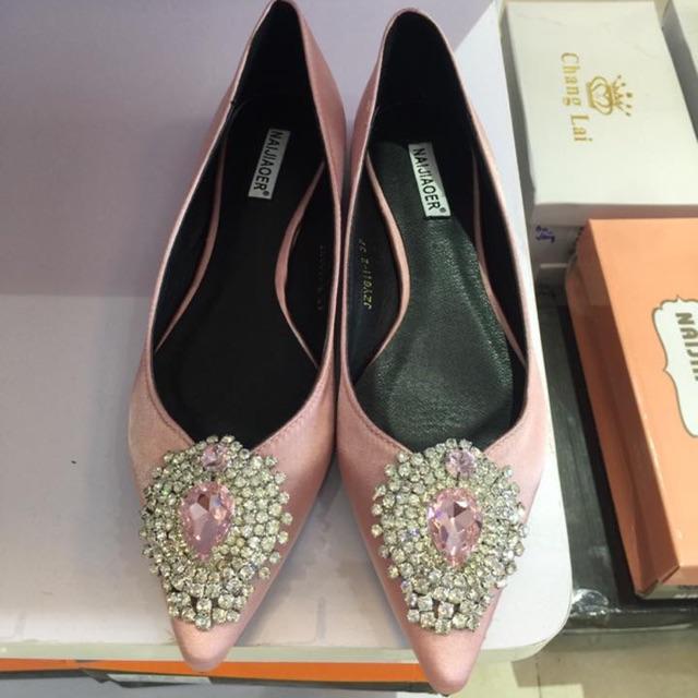 (Trả giá 350k)Giày bệt mũi đá xinh
