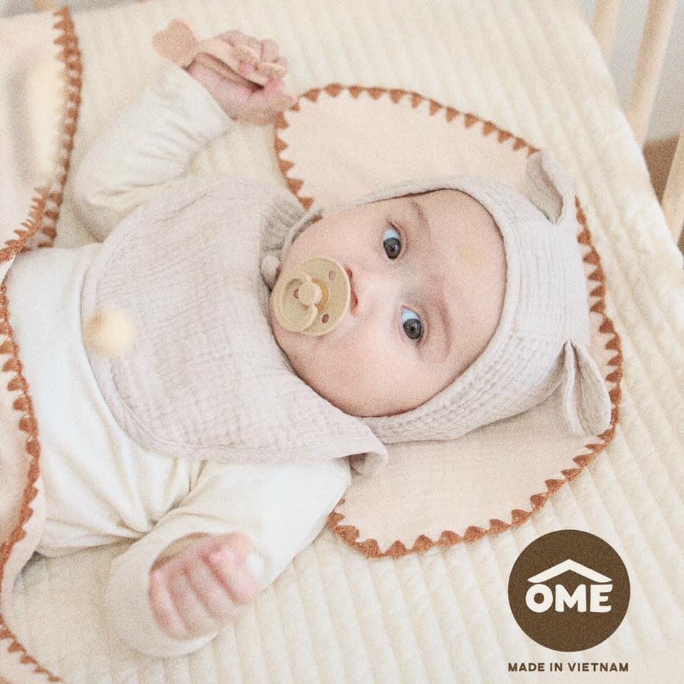 SET CHĂN 4 LỚP SỢI TRE , kèm miếng lót đầu sơ sinh 8 lớp sợi tre Ôme cho bé