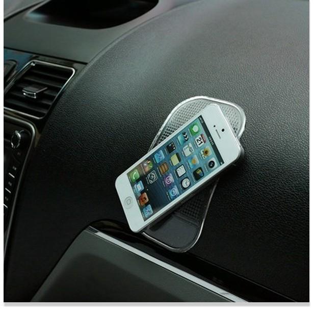 [XẢ] Miếng hít điện thoại cho xe hơi ô tô tiện lợi