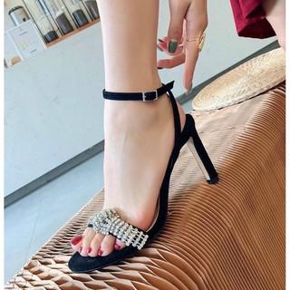 Sandal Cao Gót Da Lộn Quai Ngang Phối Chuỗi Đá Nổi Bật_Q144