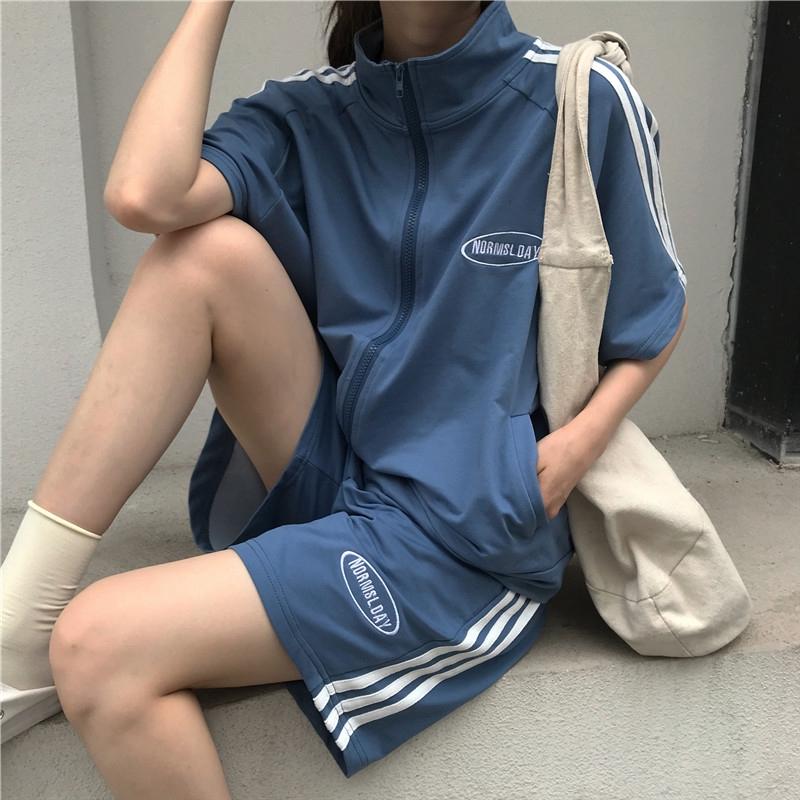 Mặc gì đẹp: Thoải mái với Set đồ thể thao ngắn tay phong cách Hàn Quốc năng động cho nữ