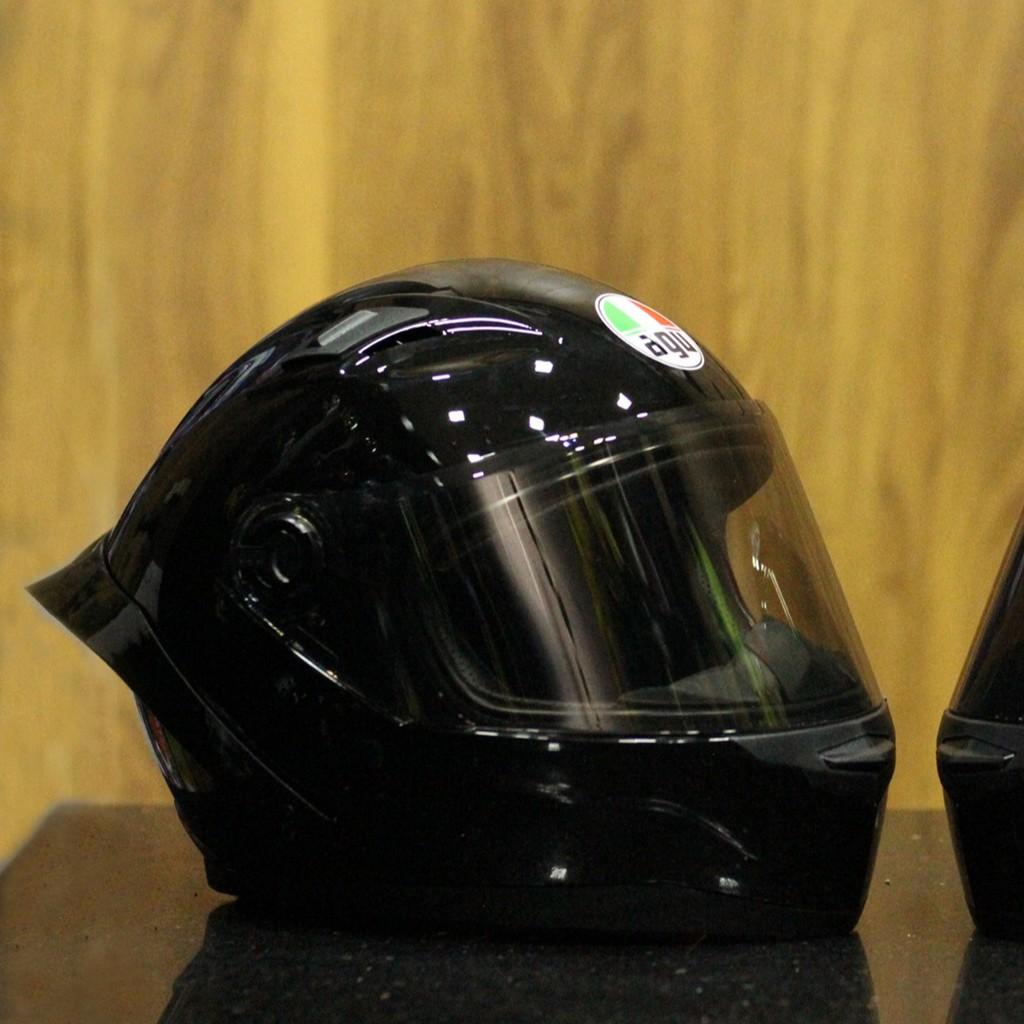 Mũ bảo hiểm fullface agu đen bóng