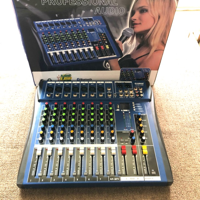 Bàn mixer Yamaha CT-80USB