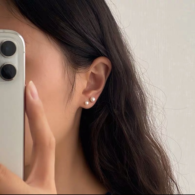 Khuyên tai trai gắn bạc nguyên chất