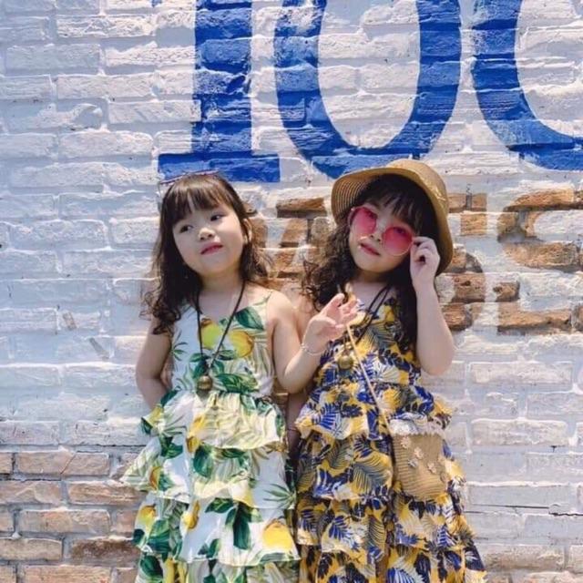 Com bo2 váy hoa