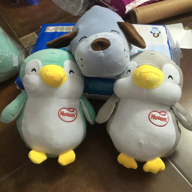 Gấu bông chim cánh cụt và cún huggies